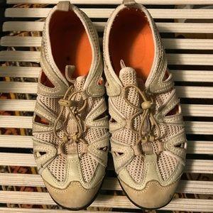 Sneakers/walking/Rockport